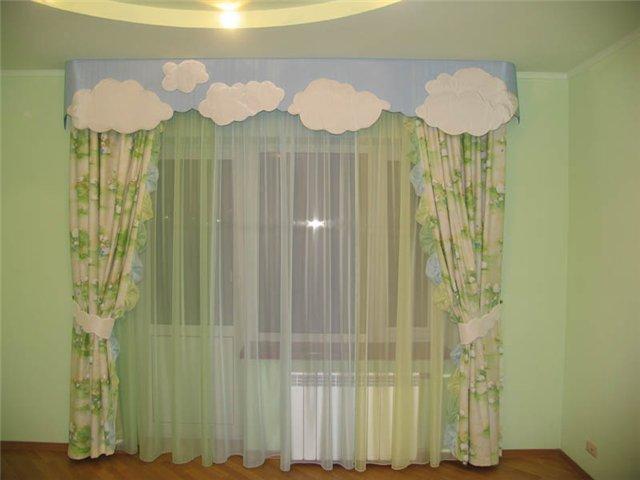 Очень красивые шторы для детской в зелёном цвете