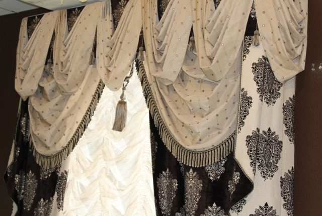 Красивые шторы в классическом стиле