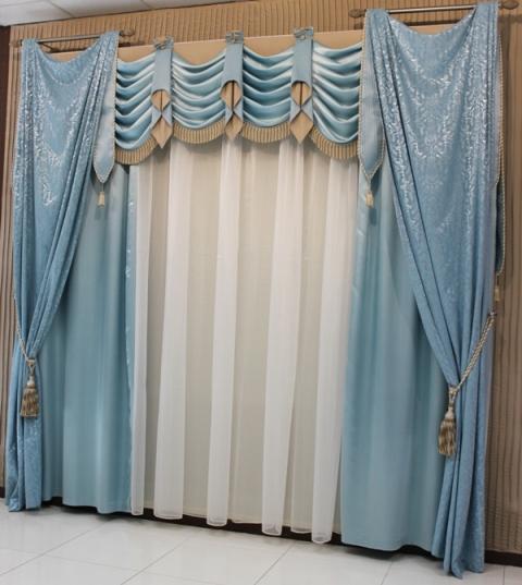 Красивые голубые шторы для детской