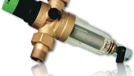 Установка фильтров очистки воды и регуляторов давления