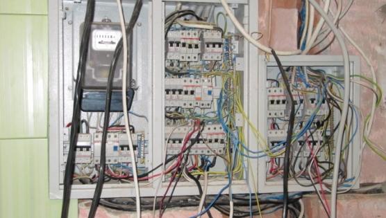 Электрический щит - кустарная сборка