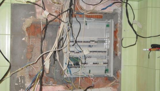 Установка электрического щита встроенного