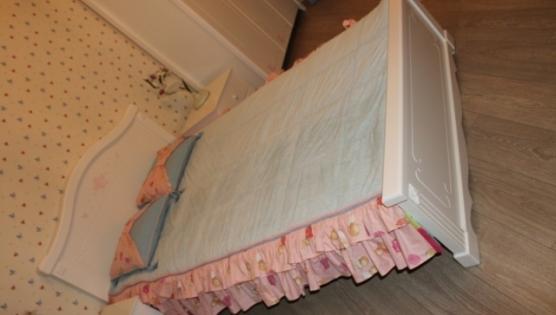 Фото детской комнаты. Текстиль пошит на заказ.