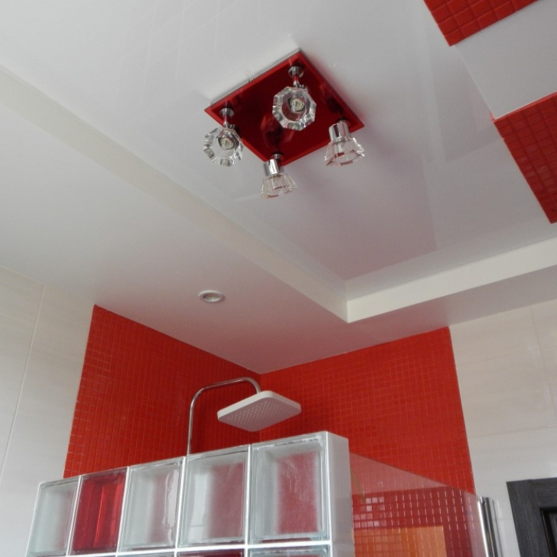 Фигурный потолок из гипсокартона и натяжной