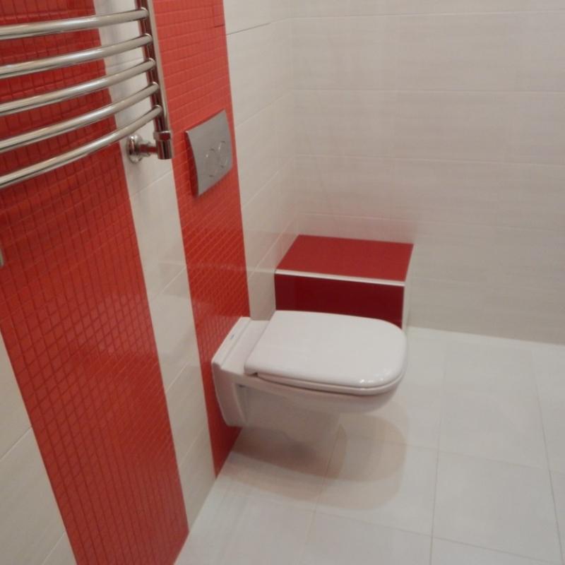 Красный цвет в ремонте и интерьере ванной