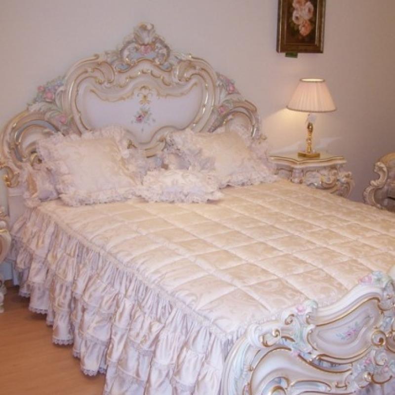 Красивый детский комплект для кровати