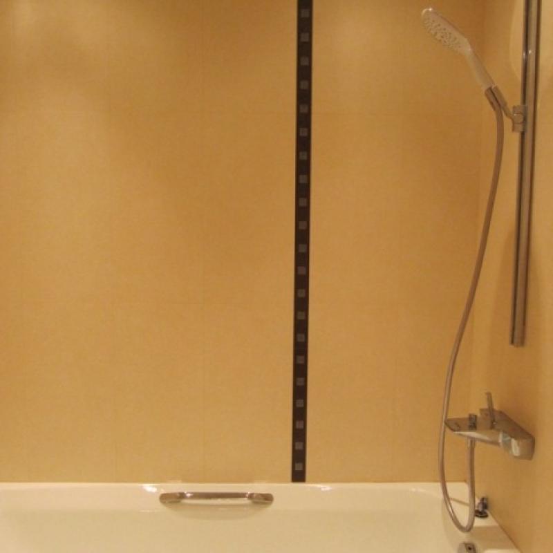 Чугунная ванна с ручками для держания