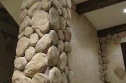 Отделка колонны натуральным камнем