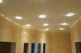 Дизайн коридора с помощью ниш в стенах