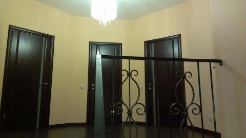 А вот хозяйский этаж в доме, сюда только с разрешения