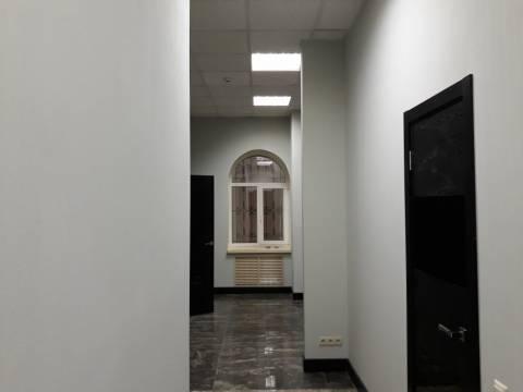 Бюджетный ремонт коридора в офисе