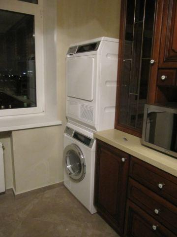 Техника миле на кухне, стиральная машина с сушилкой