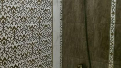 Декоративное пано из плитки с декором карандаш