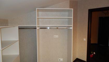 Можно посмотреть теперь просторный гардероб на двух человек и сказать, мы ещё столько не нажили