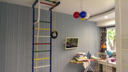 Уютная и функциональная комната для мальчика