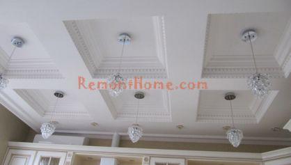 Фигурный потолок в классическом стиле