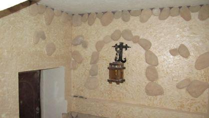 Декоративная отделка стены натуральным камнем